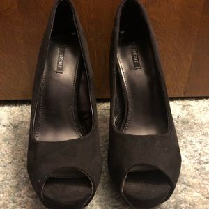Black suede peep toe pumps
